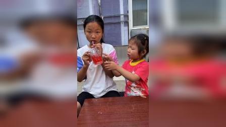 少儿:姐姐喝我的饮料