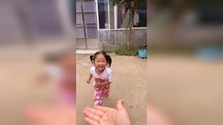 少儿:妹妹笑的好开心