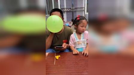 少儿:你为什么要把我的气球扎破