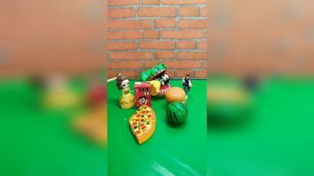 童年幼教玩具:大鳄鱼抓了白雪公主,快帮王子救人