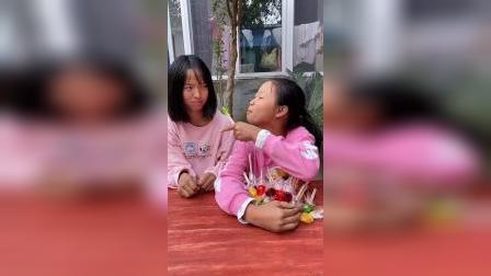 童年趣事:姐妹两个秀一段
