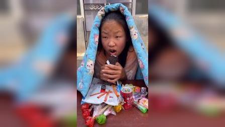 少儿:姐姐在偷吃雪糕