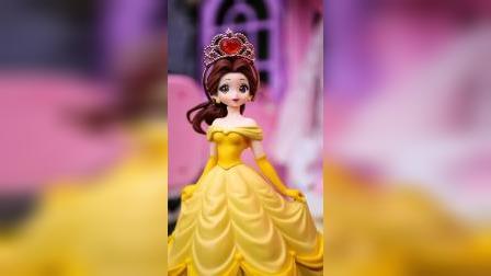 玩具故事:王子送给白雪生日礼物,好漂亮啊。