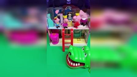 鳄鱼来了,鳄鱼要吃小猪?