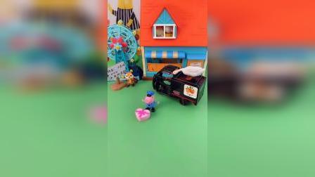 玩具:这个快递是姐姐的,不能拆快递哦。