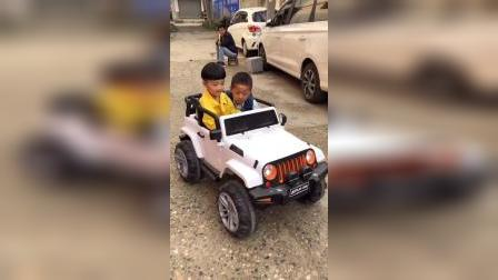 少儿:和好朋友一起兜风