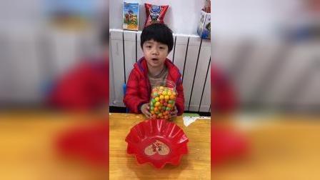 少儿:有好多糖果,开心