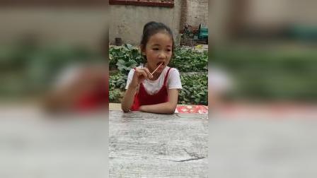 童年趣事:熊大抢小朋友的麦芽糖吃