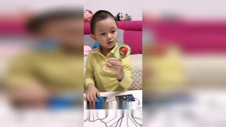 童年趣事:小晨,雪糕好吃吗