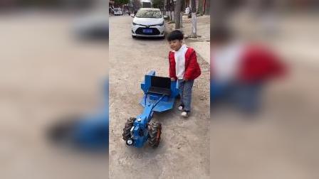少儿:宝贝们帮我取快递了