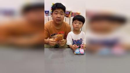 少儿:我们一起吃辣条