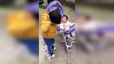少儿:照顾妹妹