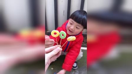 少儿:我有甜甜圈的糖果吃啦