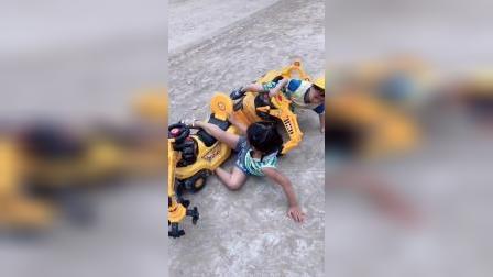 少儿:不小心摔倒了
