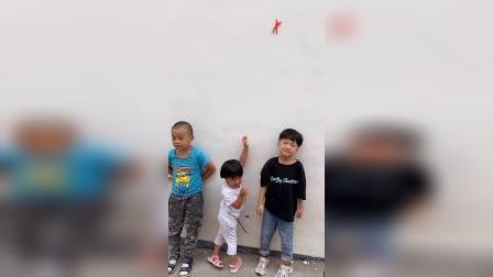 少儿:我们的玩具在墙上