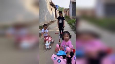 梦回童年:宝贝们的小车都很可爱呀
