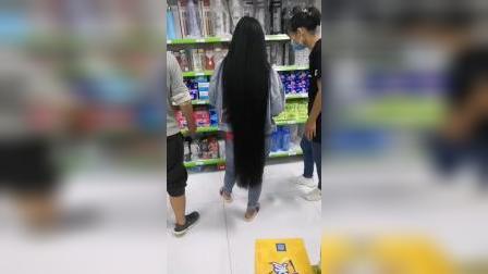 超市超长发美女