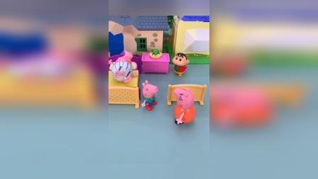 猪爸爸要睡觉呢,乔治还要看门,猪妈妈会来吗?