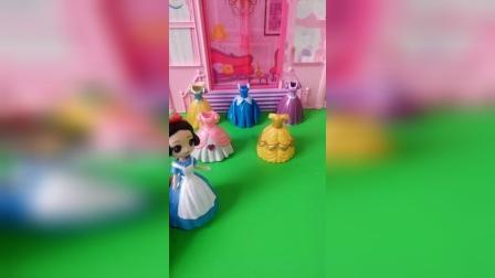 白雪公主穿哪一件好看呢?