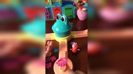 喂小青蛙吃虫子,怎么进不到嘴巴里呢