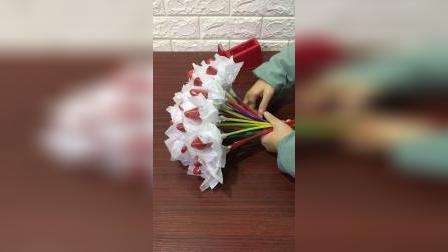 芝兰轩花艺发光草莓花束包装教程