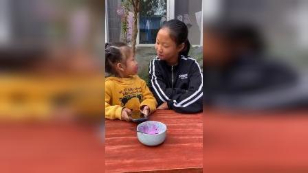 快乐的童年:姐姐真可恶,诬陷我偷吃火龙果