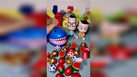 玩具也有灵魂:大鲨鱼吃个西瓜