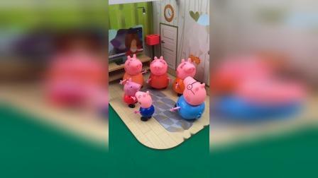 佩奇发现了三个猪妈妈,小猪一家分辨真假猪妈妈,假妈妈自己走了