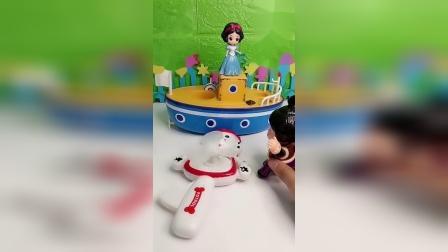 公主玩具屋:小朋友送来礼物