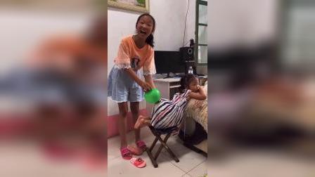 童年趣事:姐姐妹妹的屁股吹气球