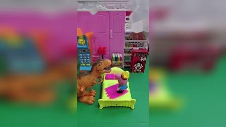 猪妈妈刚给乔治买的玩具,乔治睡觉都想要抱着呢,小朋友们喜欢?