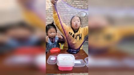 童年趣事:我和姐姐在干什么?