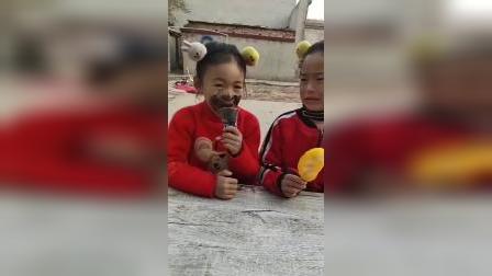 童年趣事:小妹妹你都中毒了,你快看看你的嘴