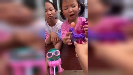 童年趣事:偷吃我的糖果我就哭