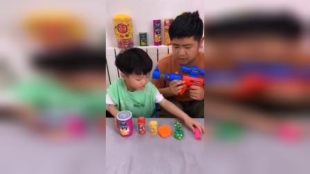 童年趣事:爸爸的棒棒糖让谁给吃了
