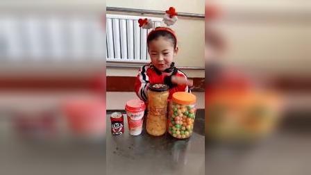 童年趣事:今天想吃什么糖果呢