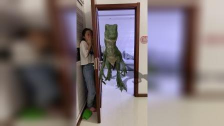 大恐龙出来了