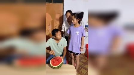 童年趣事:吃西瓜啦!