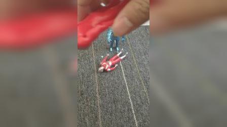 玩具动画:奥特曼被怪兽打败了!