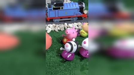 小象班里座这托马斯的火车走了