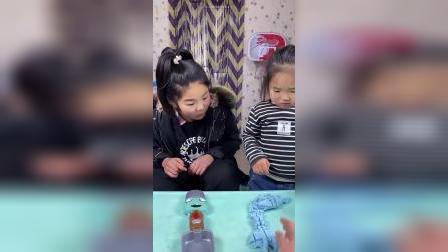 趣味童年:你猜二宝脱模成功了吗