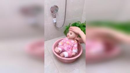 好物~用它给孩子洗澡,再也不要用手举着花洒啦