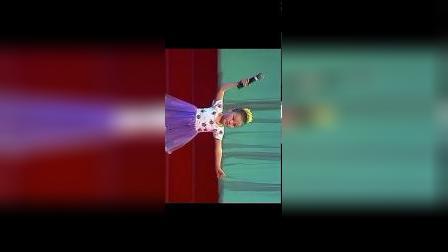 《快乐的节日》孙萌演出2001年6月