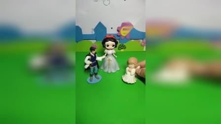 益智玩具:白雪跟着爸爸妈妈去姥姥家