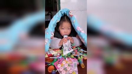 快乐童年-吃糖吃的牙疼啦