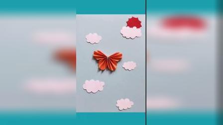 用2片圆形小卡片就可以做蝴蝶噢!