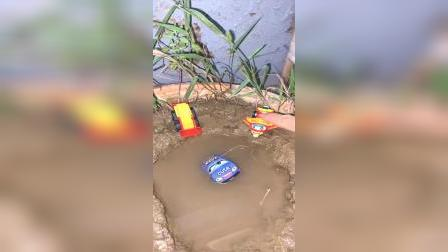 儿童益智玩具:跟我玩不许踢我