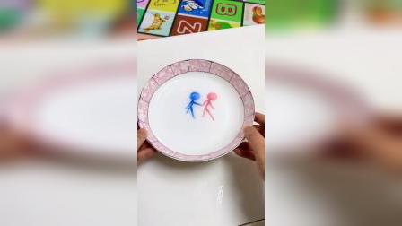 一支笔能给孩子变出漂浮的魔术画,跟宝宝玩起来