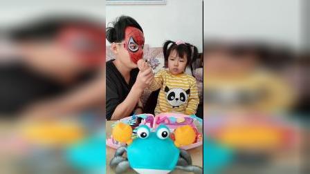 搞笑一家:蜘蛛侠想抓我没那么容易