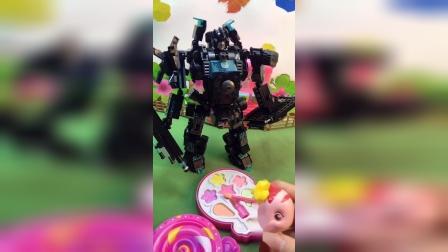 朵朵要给机器人化妆,把机器人都吓跑了!